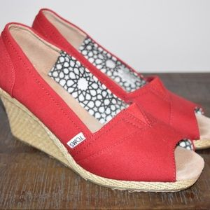 TOMS Canvas Open Toe Wedge Heels 9.5